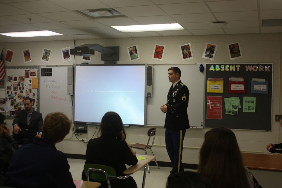 MHS Students, Faculty Show Gratitude to Veterans