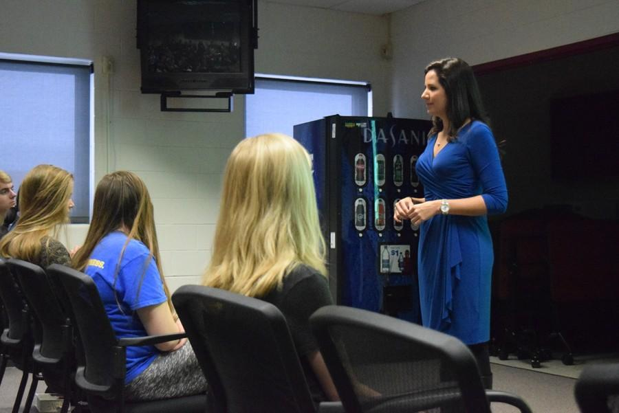 CBS Reporter Tells Her Story to Broadcast Journalism Students