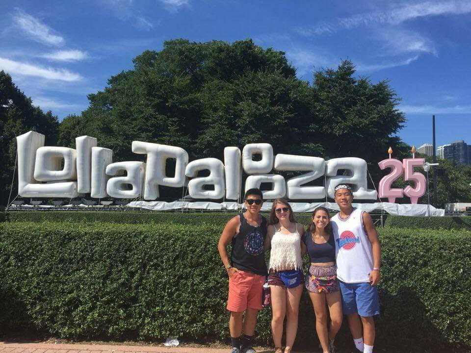 Eugene+Kim+%2C+%2715%3B+Ashley+Nensel%2C+%2716%3B+Adriana+Feijoo%2C+senior%3B+and+Eubin+Kim%2C+junior%3B+pose+in+front+of+the+Lollapalooza+sign+at+2016%27s+festival.